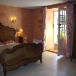 Double bedroom low floor